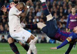 Barcelona pasa a semis con doblete Messi, Ajax elimina a Juve de Ronaldo