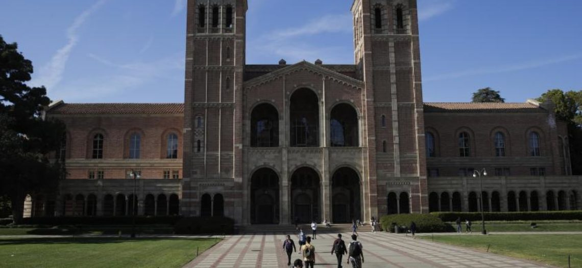 Imponen cuarentena por sarampión en dos universidades de LA