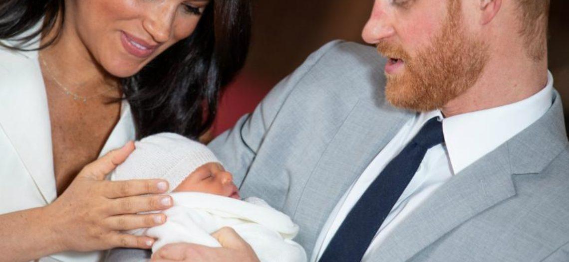 Meghan Markle y el príncipe Harry presentan al Bebé Sussex