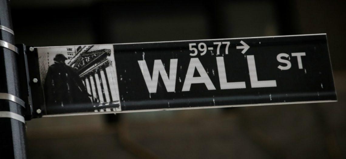 Wall Street alerta sobre recesión mundial inminente por guerras comerciales de Trump