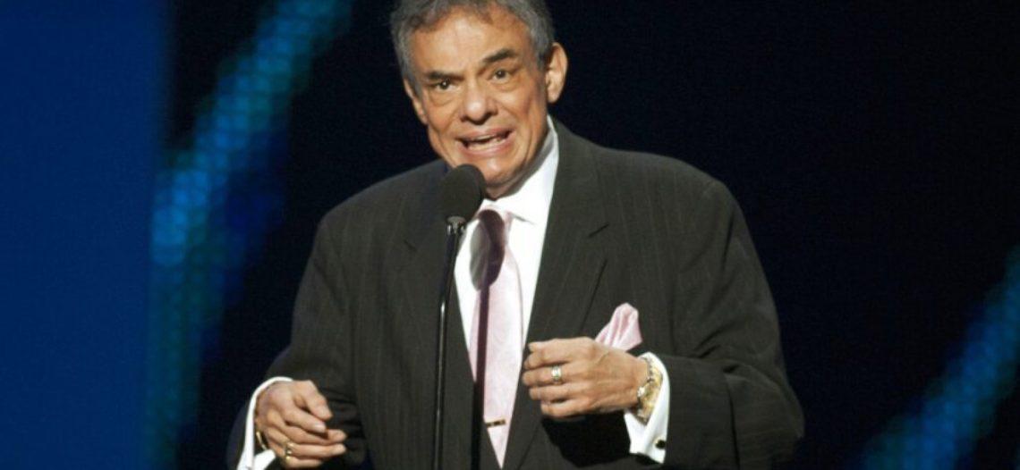 Familiares y celebridades despiden a José José en casa funeraria de Miami