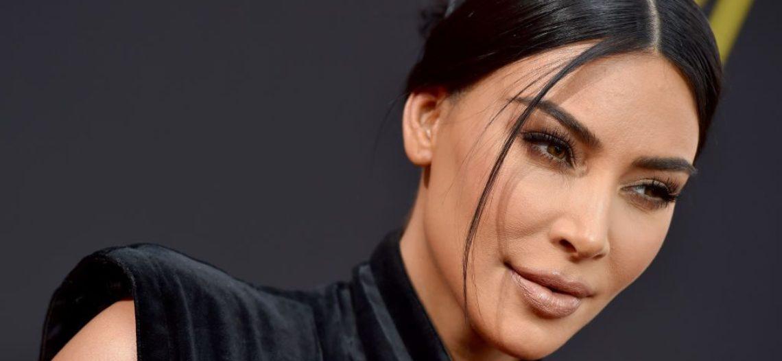 Kim Kardashian realiza viaje de negocios a Armenia