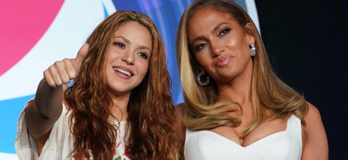 Shakira publica selfie con Jennifer Lopez