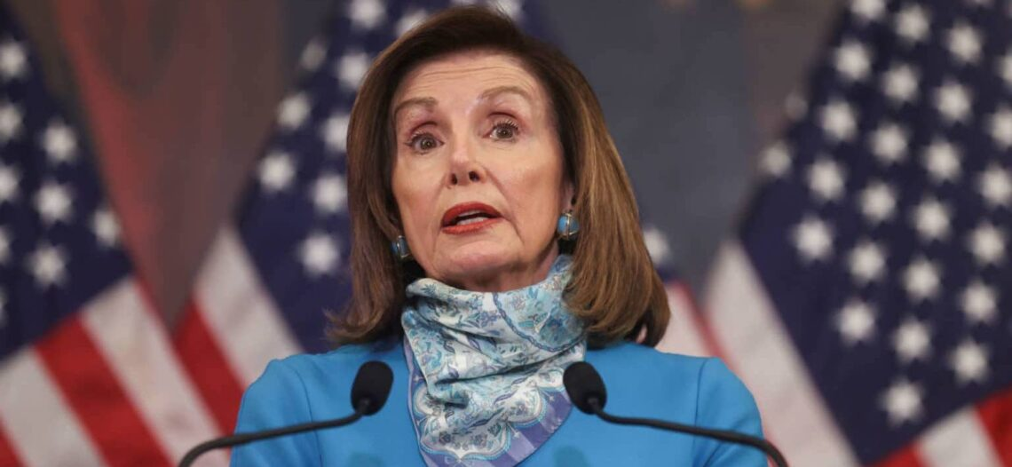 Pelosi presenta nuevo paquete de ayuda por pandemia, pide más fondos