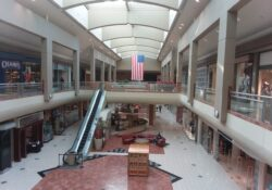 Cierra Metrocenter Mall en Arizona