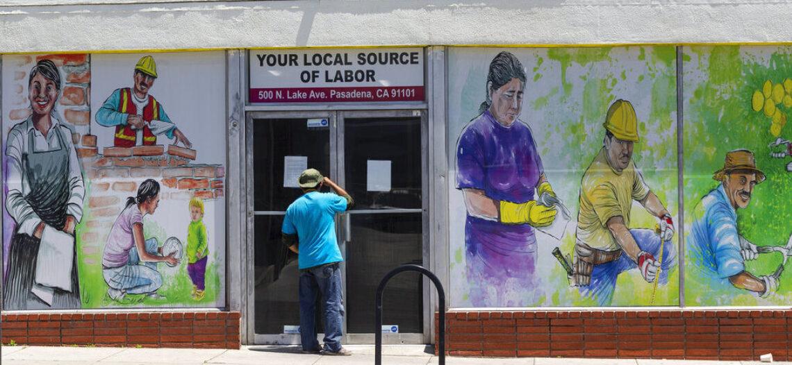 Se crean 1.4 millones de empleos; tasa de desempleo baja más de lo esperado