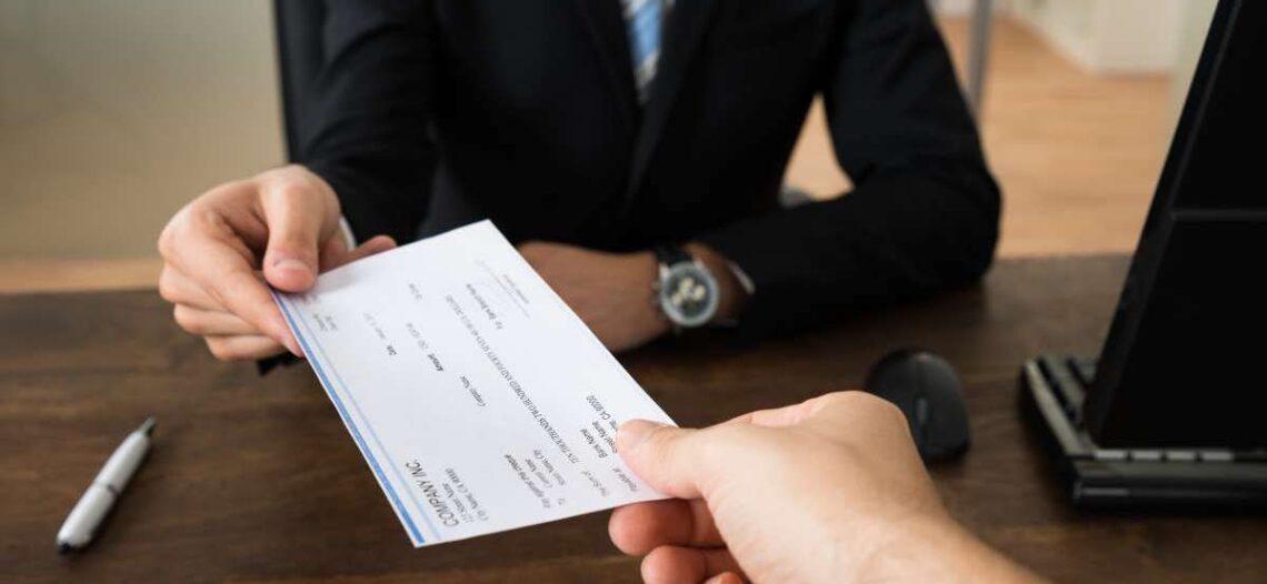 Evite fraudes con cheques de estímulo