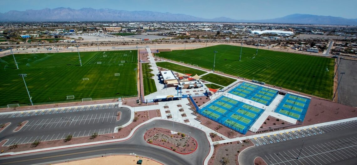 Expanden centro deportivo