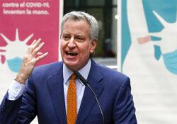 Alumnos de Nueva York regresarán a las escuelas en otoño