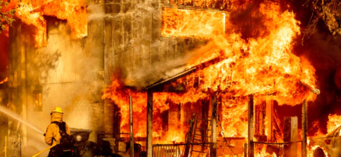 EEUU: Incendios arden en varios estados