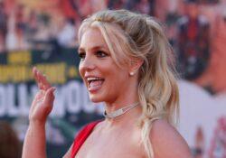 ¡Britney Spears, renuncia!