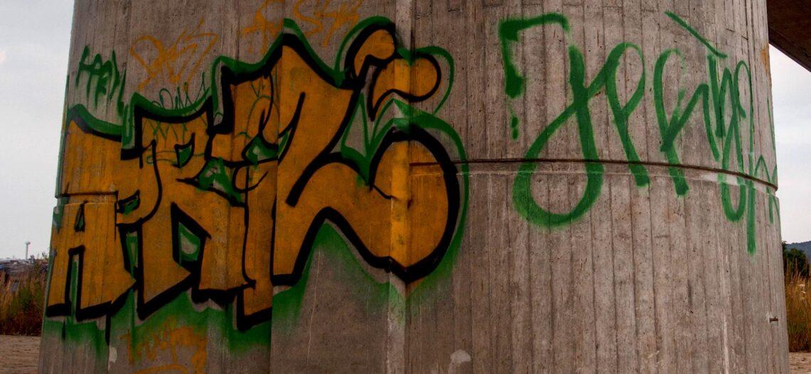 Reportar actividades de graffiti